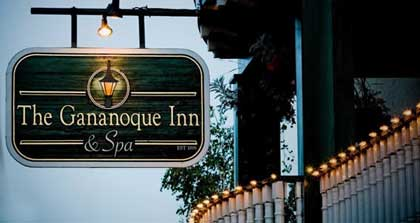 The Gananoque Inn welcomes guests in the 1000 Islands.