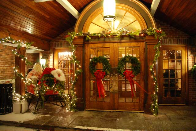 lobby of the Pillar & Post Inn, Niagara-on-the-Lake, Ontario