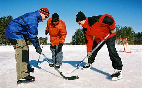 ice hockey at Pine Vista Resort
